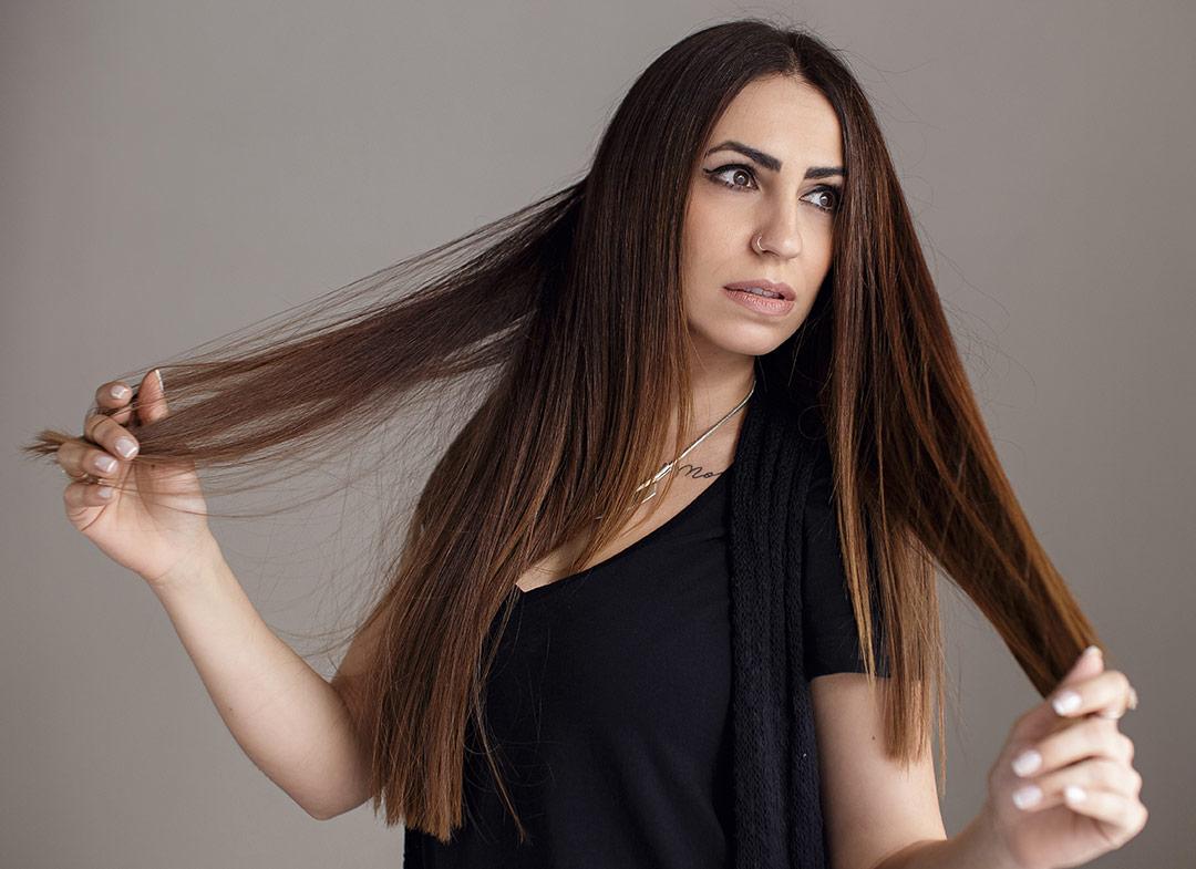 Λιπαρά μαλλιά; Πρακτικές συμβουλές για να το αντιμετωπίσεις!